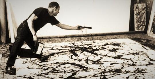 Jackson Pollock; tutto intento nella tecnica del 'dripping' , e del 'calpestio' ,nel rappresentare una furia, espressione di un 'vuoto  da vertigine...'  al pari di un  'silenzio assordante'.