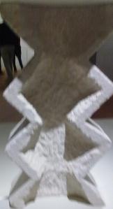 Constantin Brancusi,scultura in gesso .'Attributo virile maschile',particolare della base.Ricorda indubbiamente  'la colonna infinita' presso Tirgu Jiu.