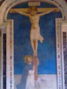 museo di san marco.san domenico in adorazione del crocifisso.Beato angelico 1442