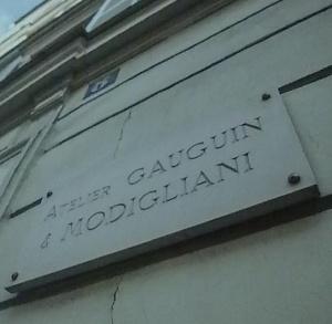 A.Modigliani e P.Gauguin,ricordati in questa targa per aver condiviso lo stesso atelier...