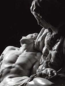 verso sud;  alias la pietà di Michelangelo del terzo millennio