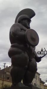 il guerriero di Botero, alias la vera ultima fase del progresso, by Mc ;una pingue ma fiera obesità guerriera!