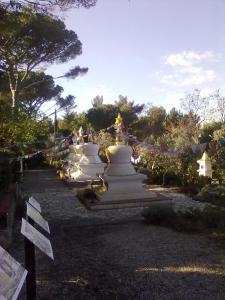 stupa,buddisti presso Pomaia(Pisa)