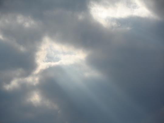 cielo romano; minaccia pioggia ma... è solo una nuvola passeggera del nord