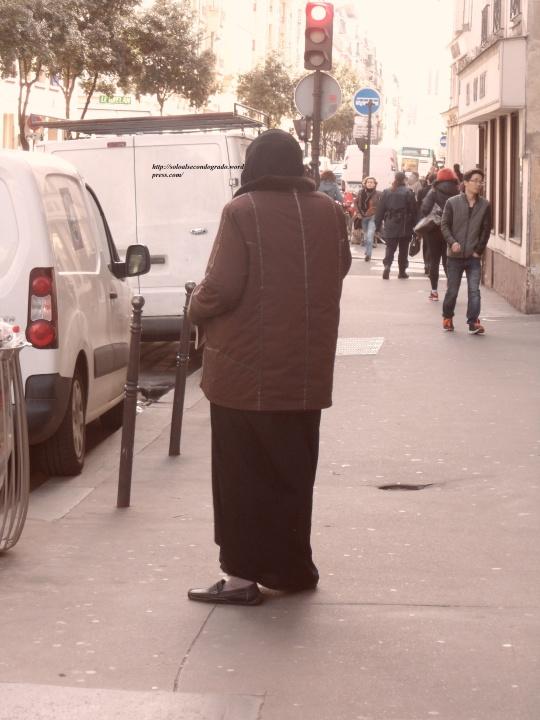 Belfagor est sortir de chez le Louvre pour prendre un peu d air!