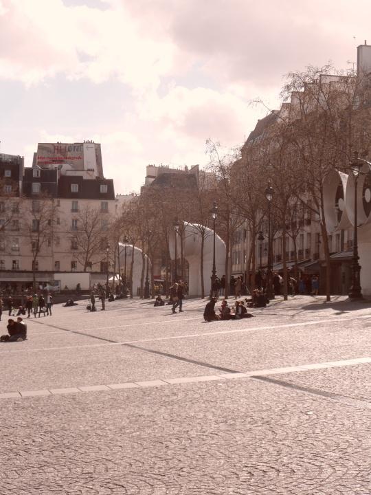 Le Beaubourg ou  Centre Pompidou 13