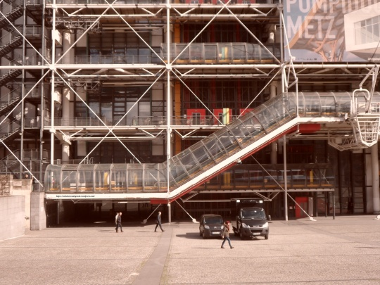 Le Beaubourg ou  Centre Pompidou 9