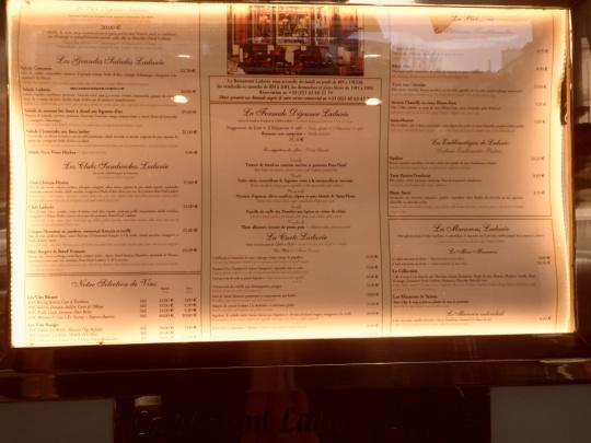 Maison Ladurée artisans de confiserie Place de la Madeleine à Paris menus et les prix