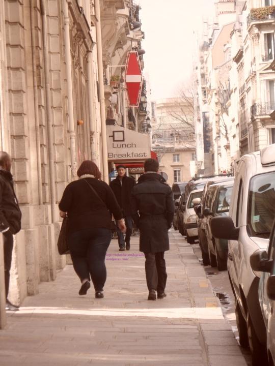 Voilà deux parisiens d  appellation d origine contrôlée AOC Immaginatevi se fanno lui sotto e lei sopra...! Tentato omicidio puro !