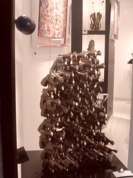 How many guns! Come sopra...