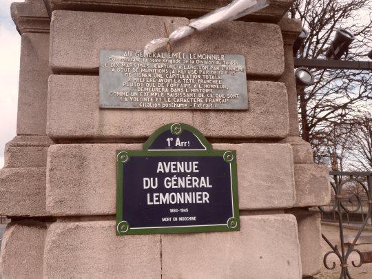 Diametralmente posto, rispetto al corso della Senna, al Louvre, il museo d'Orsay ospita un'altra collezione di quadri invidiabile.