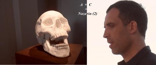 Cfr (cf) con la fotografia qui sopra. Un Cristo ridente ed un cranio ridente. ( Accanto al cranio il suo Autore )