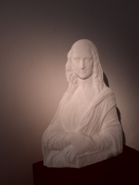 Souvenir Gioconda di Fabio Viale