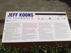 didascalia sulle opere presenti  in Piazza della Signoria, tra cui quella di Jeff Koons