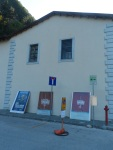 Scuderie di fronte a Palazzo medici di Seravezza di Lucca Italia,sede delle mostre organizzata dalla Fondazione ARKAD