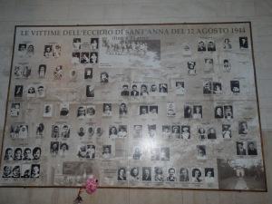 Targa commemorativa di alcuni civili caduti a Sant'Anna di Stazzema (Lucca)