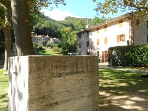 Il cubo 'tragico'... vedi didascalia qui sopra. Marzabotto in Italia