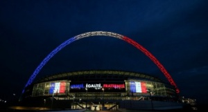 London Wembley ; Libertè , Egalitè etFraternitè pour Paris novembre 2015
