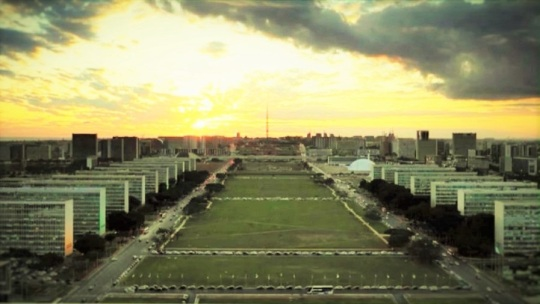 Brasilia; citta ex novo del 1960  secondo Oscar Niemeyer e  Lúcio Costa ( urbanista )... vedi alla nota; (**)