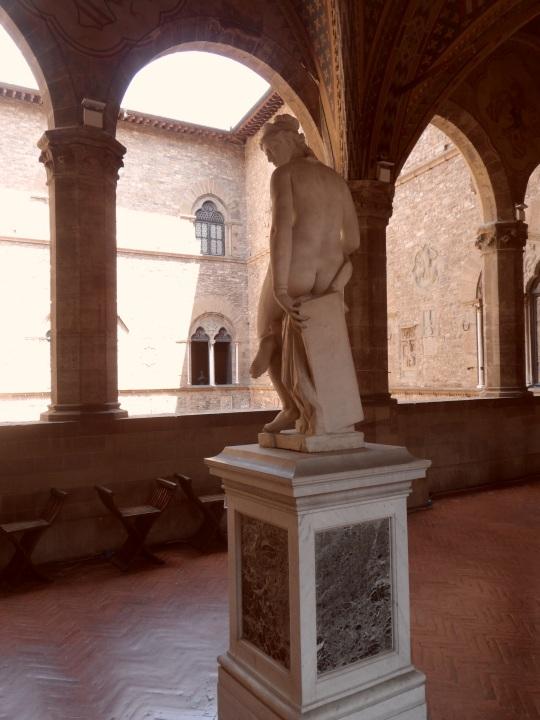 Giambologna ; allegoria dell'architettura .Museo del Bargello Firenze. Armata solo di squadra, compasso e filo a piombo. Con molto poco si otteneva allora, tuttavia, molto di più !