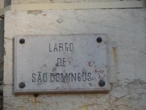 Lisboa on the road ; l'altra faccia di 'largo de sao Domingos' ; vedi le due fotografie qui subito sotto;