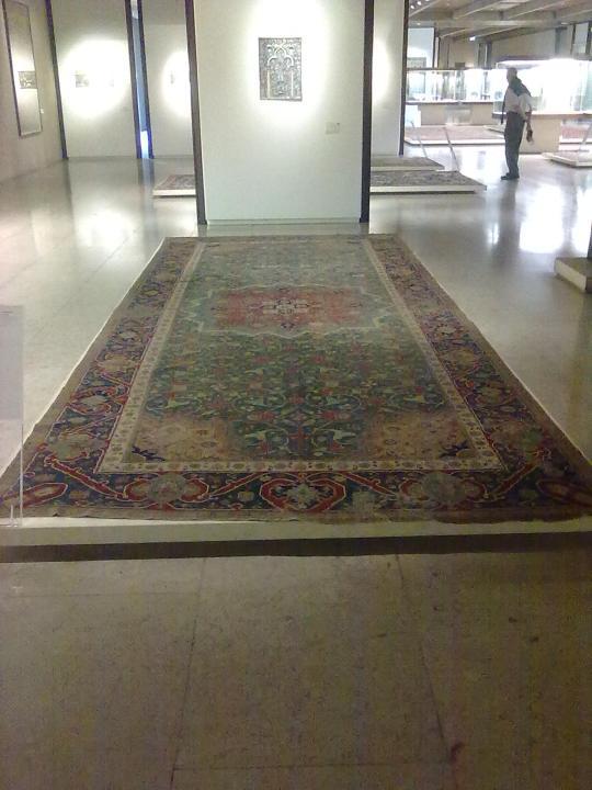Museu Calouste Gulbenkian ; artigianato persiano, tappeto con più di mezzo millennio sulle spalle.