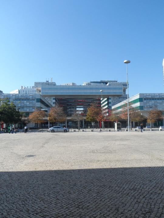 Portuguese Pavilion architect Alvaro Siza ; visioni esterne alla struttura del Padiglione.