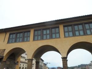 percorso vasariano lungo Ponte vecchio Firenze