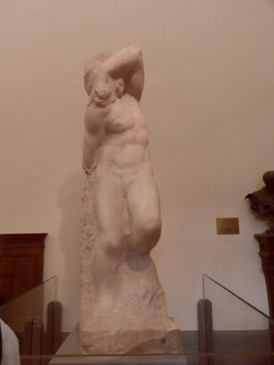 Michelangelo Buonarroti Incompiuto e NON non finito         Prigione IV        per la tomba di Papa Giulio II a Roma      Galleria dell'Accademia       -Firenze-