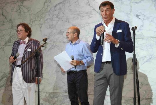 Philippe Daverio ,a sinistra di chi guarda (Presiente di Giuria)  e Paolo Carli,a destra, Presidente della Fondazione Henraux. Presso la Fondazione Henraux.luglio  2016 Querceta di Seravezza , Lucca