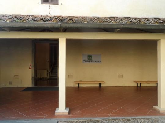 Chiesa di San Michele a San Salvi ( Firenze). Entrata laterale, presso via San Salvi, al complesso museale.