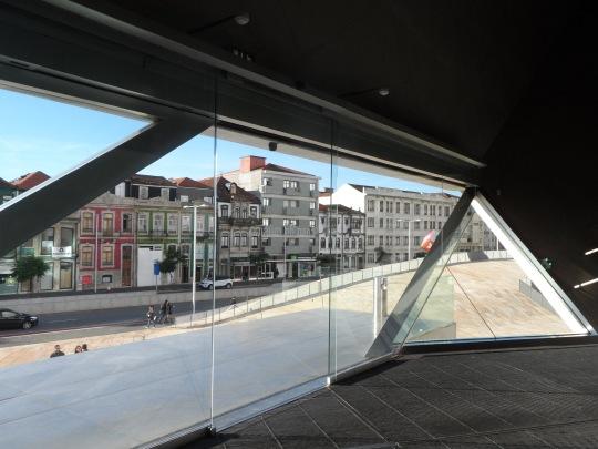 Casa da Musica        by Rem Koolhaas                 Porto  interno piano primo