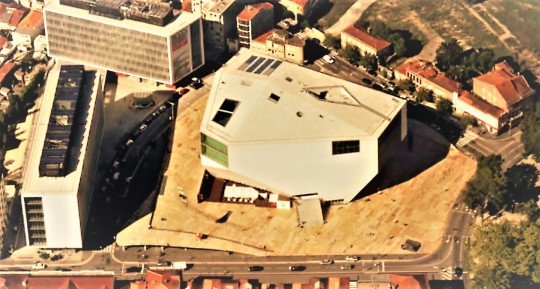 Casa da Musica    by Rem Koolhaas        visione aerea              Porto