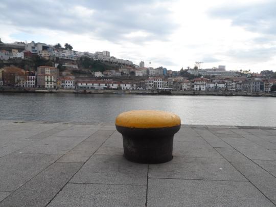 Ribeira ; il quartiere 'tendenza' di Porto . Quartiere che scorre lungo il fiume Douro che di li a poco si getta nell'Oceano atlantico