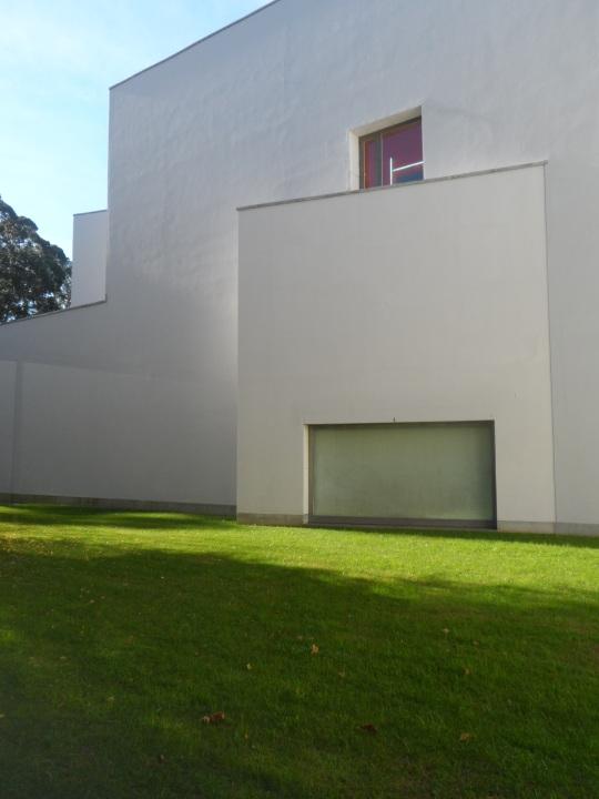 museu-de-arte-contemporanea-da-fundacao-de-serralves-porto-portugal-u