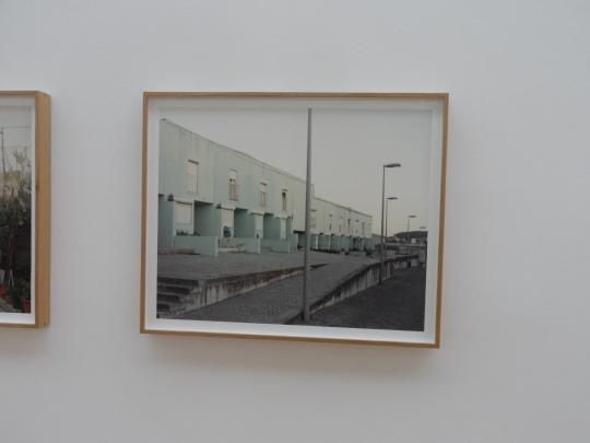 Tra fotografia e architettura; ecco una sequela di frammenti fotografici che individuano lo spirito architettonico portoghese...