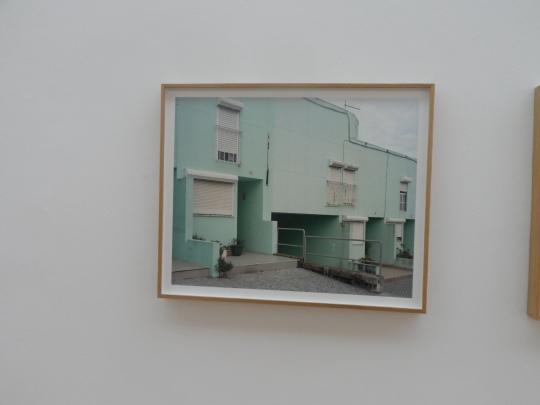 Tra fotografia e achitettura; ecco una sequela di frammenti fotografici che individuano lo spirito architettonico portoghese...