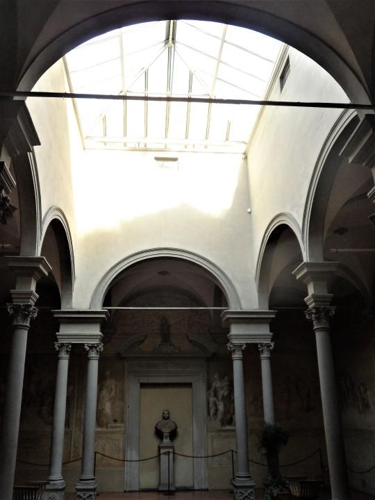 Chiostro dello Scalzo Compagnia di S Giovanni Battista  via Cavour Firenze       il lucernario       del Chiostro