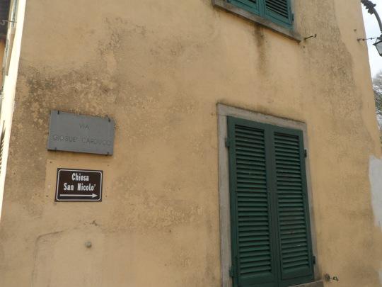 Casa  eremo  di Giovanni Pascoli Castelvecchio di Lucca         angolo particolare