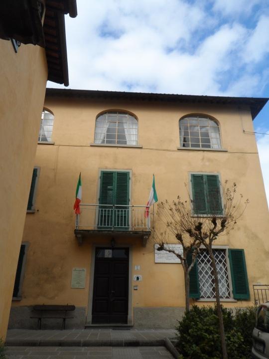 Casa  eremo  di Giovanni Pascoli Castelvecchio di Lucca             fronte