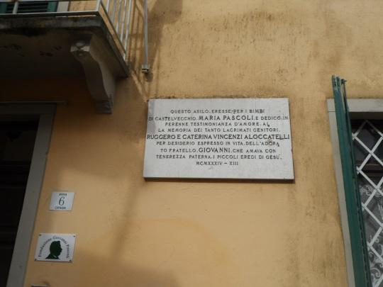 Casa eremo di Giovanni Pascoli Castelvecchio Lucca               targa